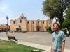 01.Ale frente a la iglesia del zocalo