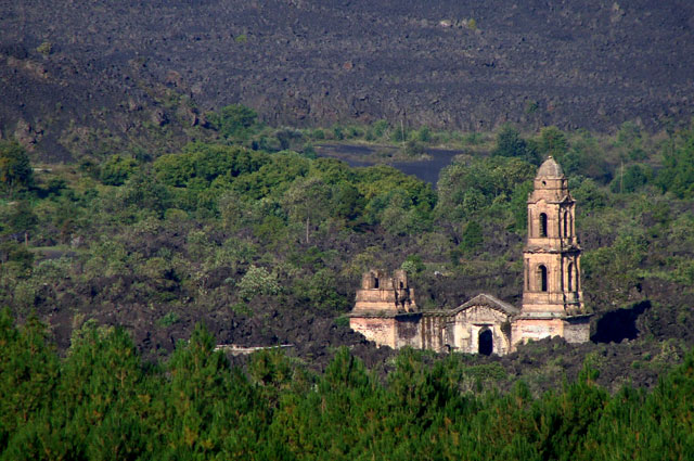 Ruinas de San Juan, el viejo Parangaricutiro