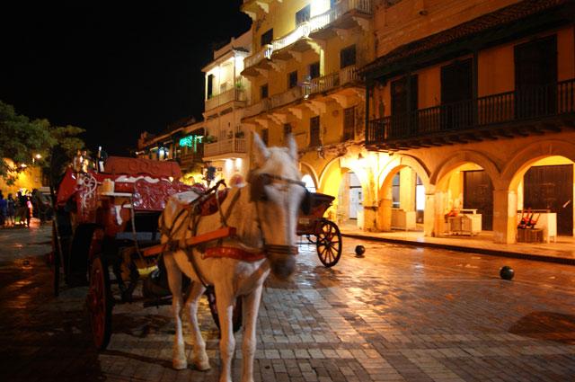 14.-Carroza-en-centro-historico