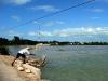 03 Pescando desde el puente