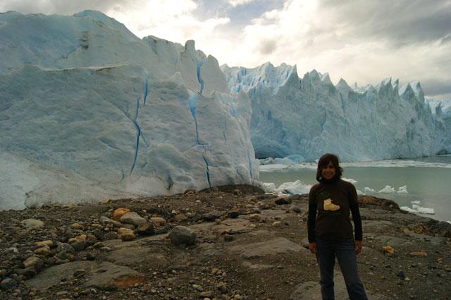 7m.Eli.frente.al.Glaciar