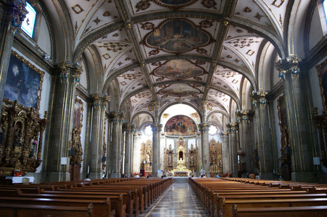 04. Interior de la parroquia