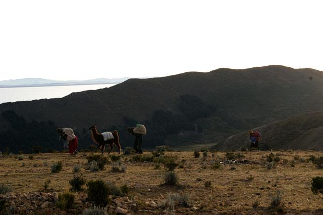 06-campesinos-isla-sol