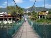 05c. Cruzando el puente