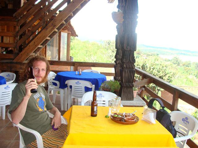Comiendo en Oponguio