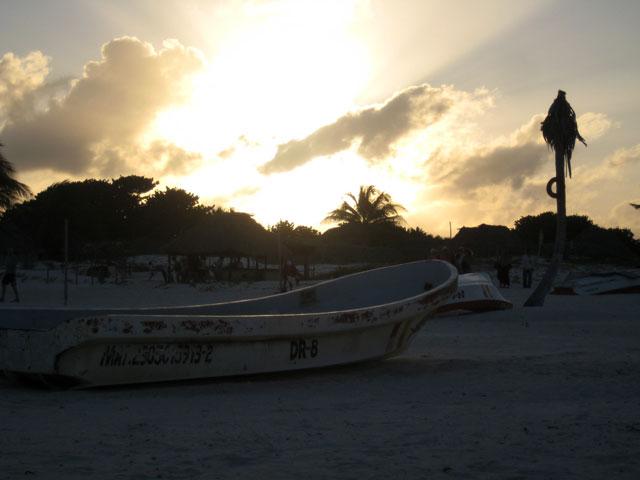 07. Atardecer en  la playa de Tulum.