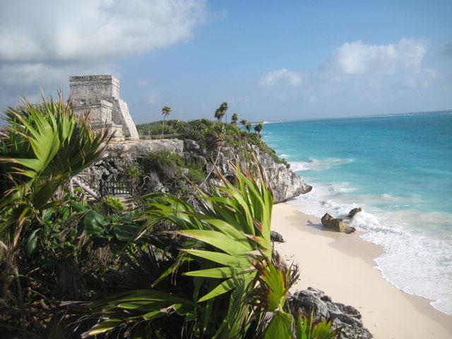 13. Ruinas junto al mar